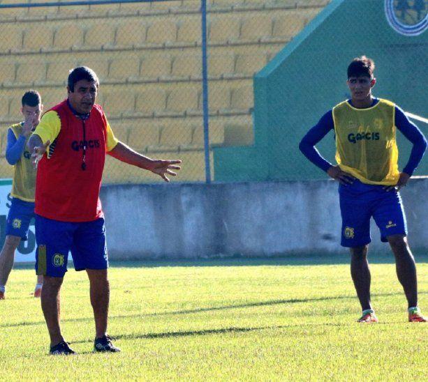 José Basualdo (izquierda)
