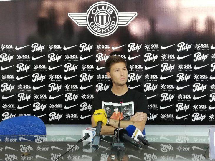 Rodrigo Rivero en conferencia de prensa.