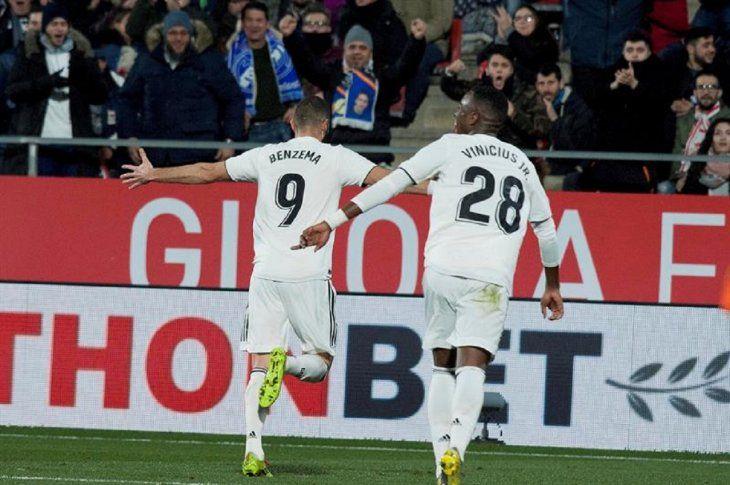 Benzema celebra un gol ante Girona.