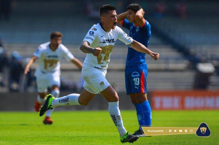 Juan Manuel Iturbe festeja su gol.