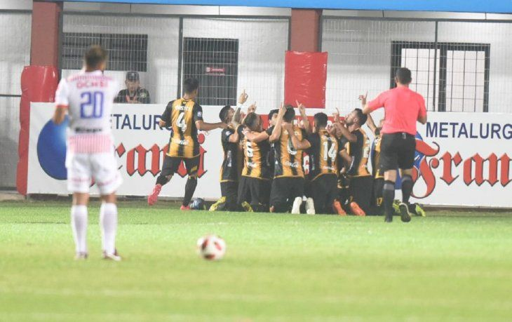 Guaraní venció de visitante a San Lorenzo.