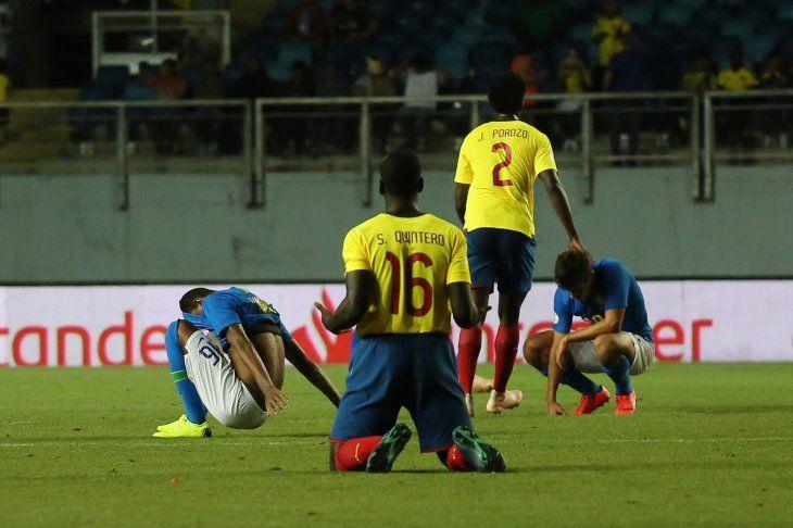 Brasil se enreda contra Ecuador y se hunde camino al Mundial
