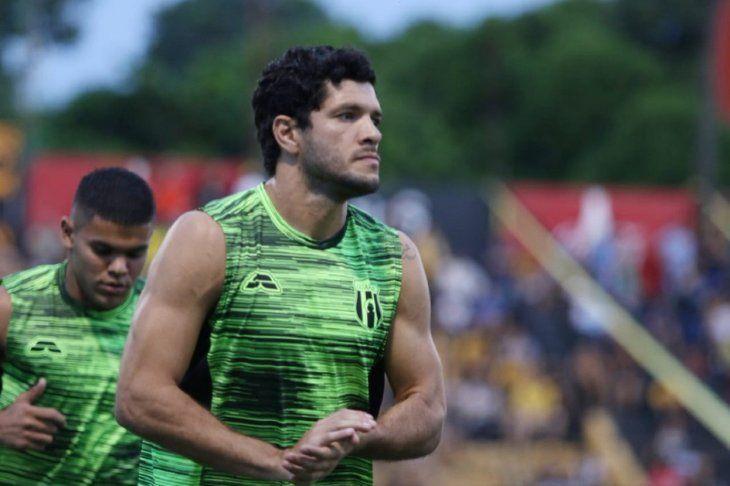 NIVEL. José Ortigoza está jugando en un gran nivel con Guaraní.
