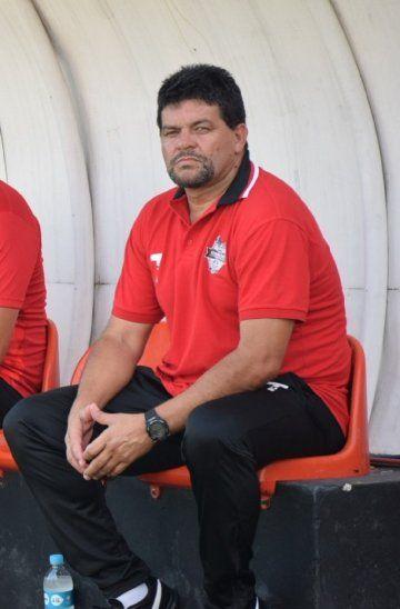Florencio Villalba dejó de ser técnico de General Díaz.