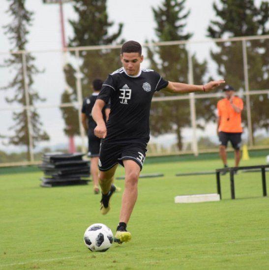 Jesús Rolón debutará en Olimpia.
