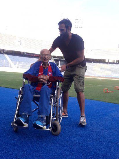 Don Venancio junto a Roberto Nanni, gerente deportivo de Cerro.