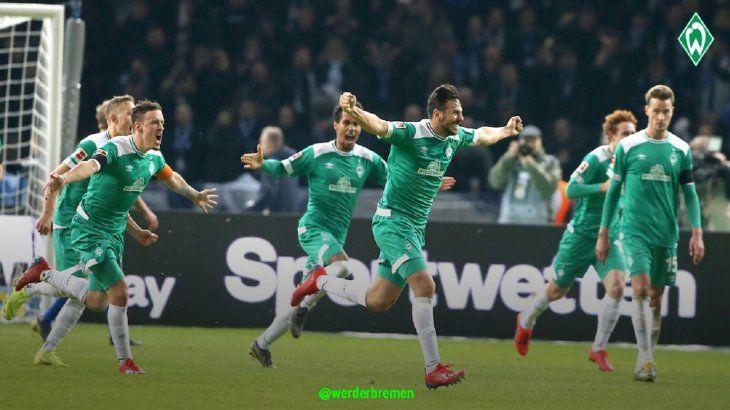 Claudio Pizarro hizo un tanto histórico en la Bundesliga.