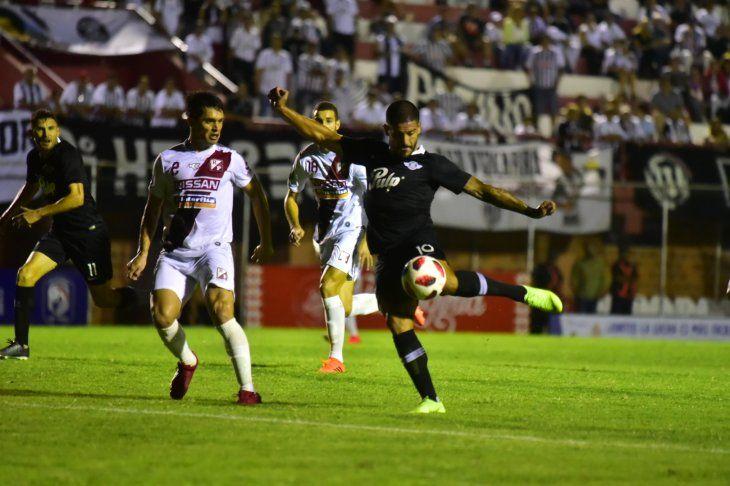 River Plate y Libertad empataron en Los Jardines.