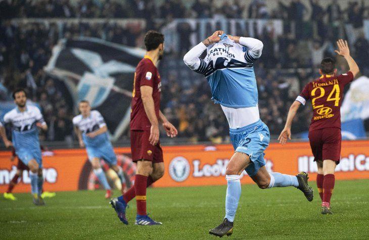 Lazio se quedó con el clásico ante Roma.