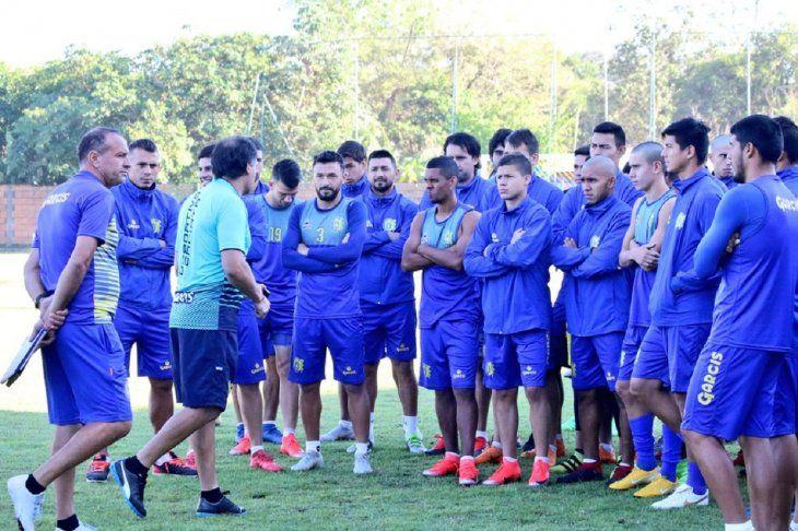 Celso Ayala debutará como entrenador del Deportivo Capiatá.