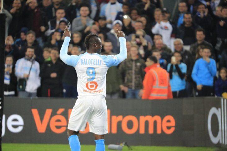 Balotelli hizo uno de los goles.
