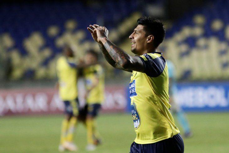 Con póker de Rubio en festín de goles, U de Concepción gana al Sporting