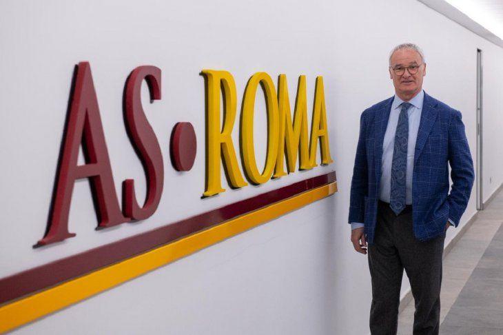 Ranieri fue presentado como DT del conjunto romano.