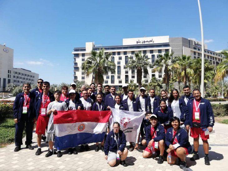 Delegación paraguaya de Olimpiadas Especiales en Emiratos Árabes.