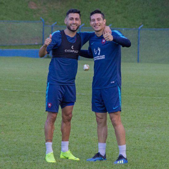 Los jugadores Federico Carrizo y Óscar Ruiz en una práctica.