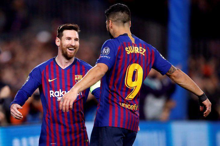 Barcelona goleó de local y avanzó a cuartos.