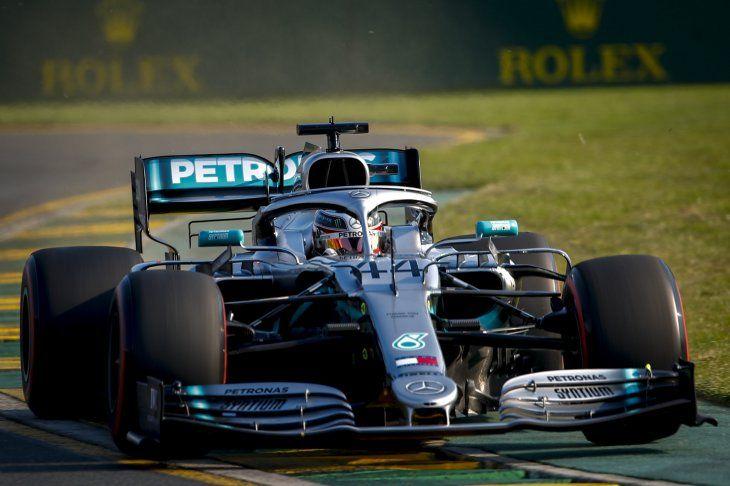 Lewis Hamilton logró la pole position en Australia.