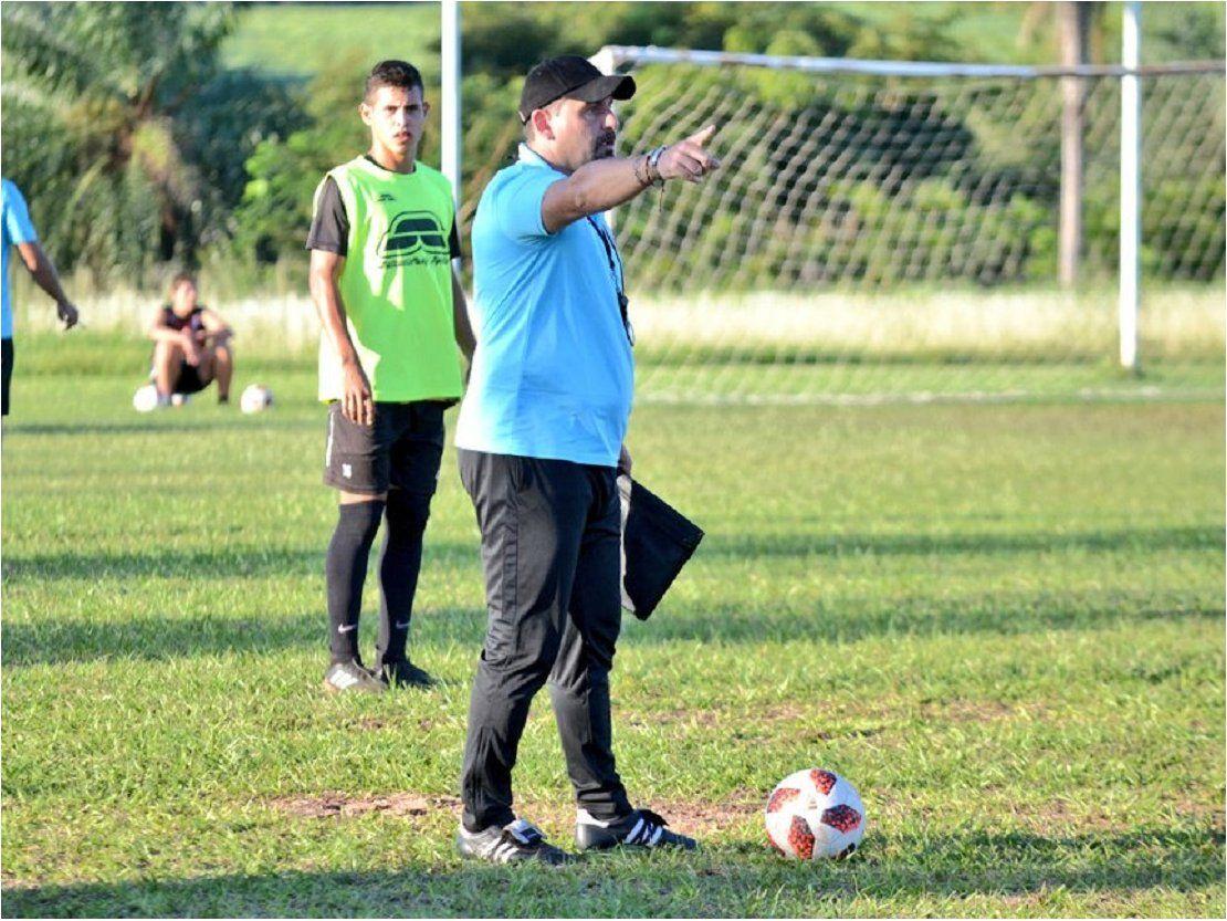 El Tato García alista tres cambios