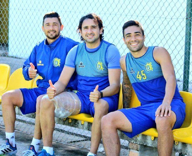 Osmar Molinas (centro) sigue en etapa de recuperación.