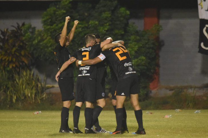 Olimpia extendió a 5 puntos su diferencia en la punta del Apertura sobre Cerro Porteño.
