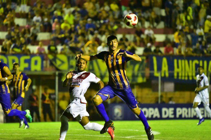 Luqueño y River Plate se juegan puntos vitales por la permanencia.