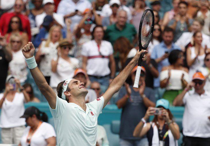 Federer levantó su cuarto título en Miami.