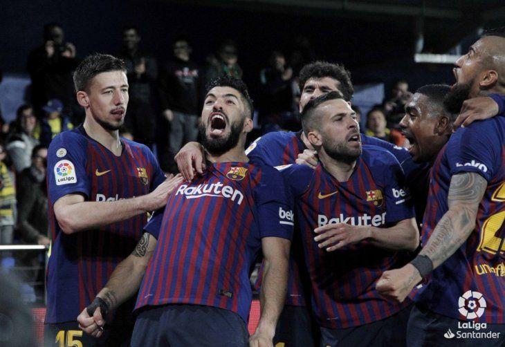 Luis Suárez le dio el empate al Barcelona.