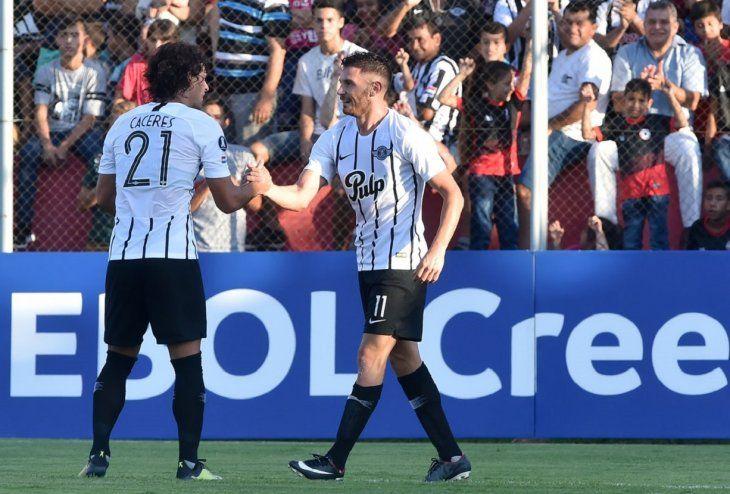 Blas Cáceres y Adrián Martínez no podrán jugar juntos ante Rosario Central.