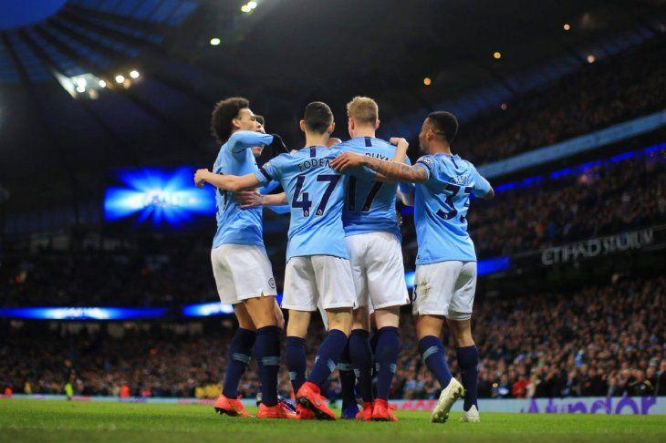 El Manchester City no cede puntos ante el Cardiff y sigue imparable.