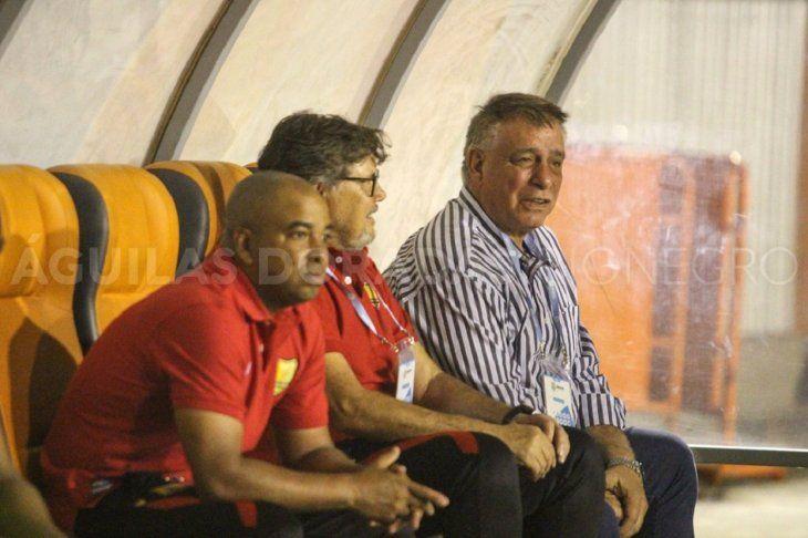 Éver Hugo Almeida dejó la dirección técnica de Rionegro Águilas de Colombia.