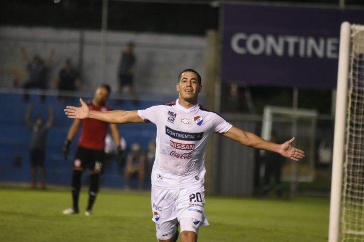 Édgar Zaracho celebra el gol marcado ante San Lorenzo.