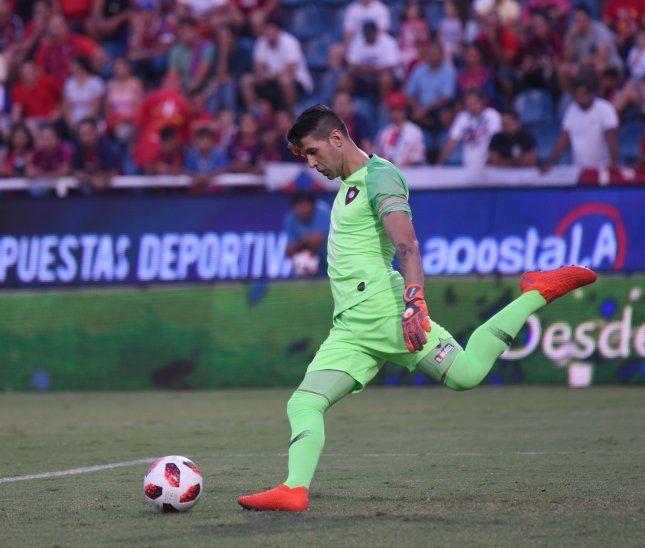 TITULAR. Rodrigo Muñoz seguirá jugando de arranque en Cerro Porteño.