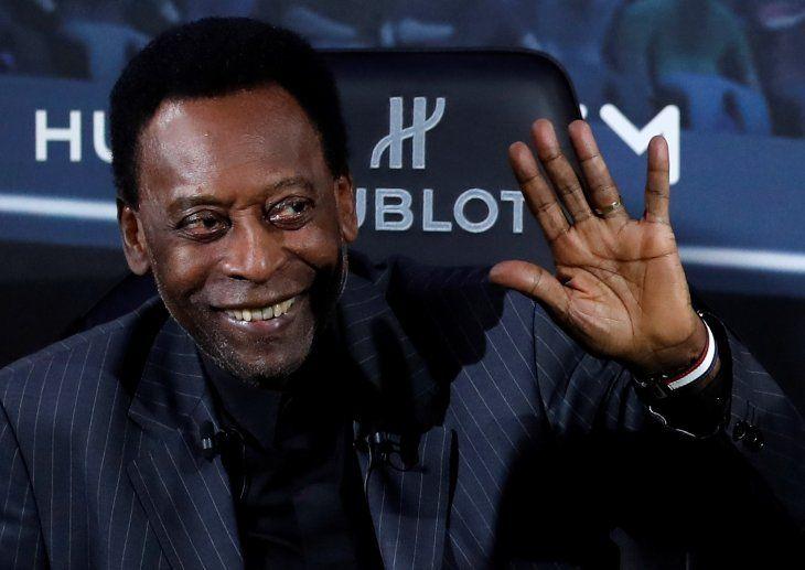 Pelé se recupera tras una infección urinaria.