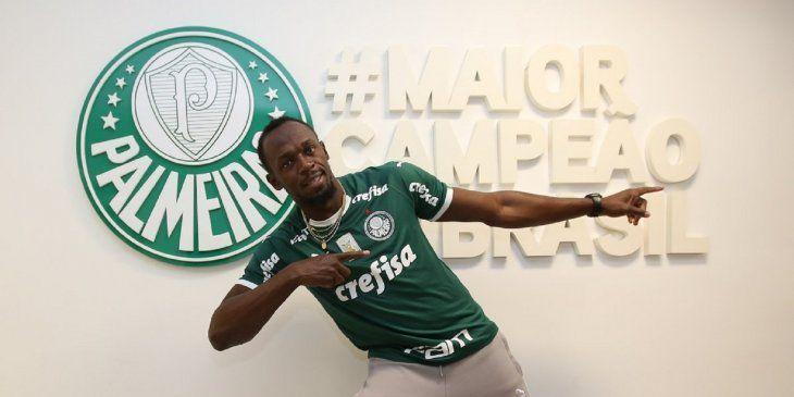 Usain Bolt se une al entrenamiento del Palmeiras en Brasil.
