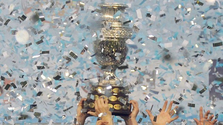 La Copa América 2020 se disputará en la Argentina y Colombia.