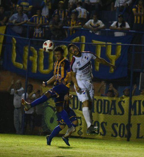 Luqueño y Nacional firmaron empate en Campo Grande.