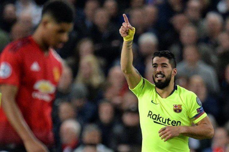 Luis Suárez reacciona durante el partido contra el United.