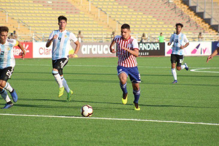 Paraguay no pudo ante Argentina y resignó sus chances de campeonar.