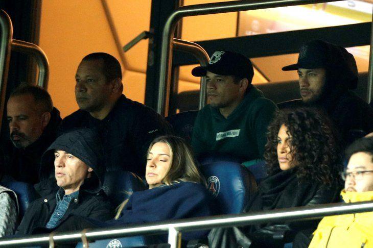 El padre de Neymar asegura que su hijo no quiere abandonar el PSG