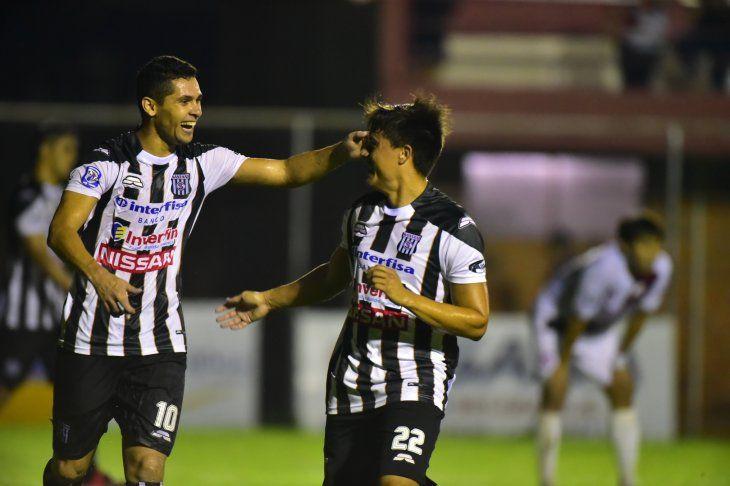 Claves. Díaz (i) y García marcaron en el primer triunfo.