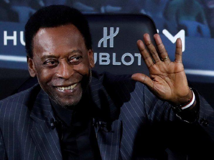Pelé fue operado en São Paulo de un cálculo.