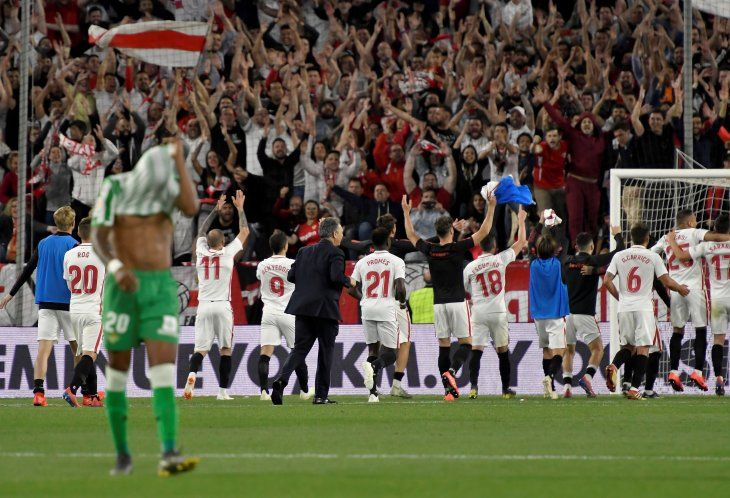 El Sevilla se acerca a Champions por su pegada y deja tocado al Betis