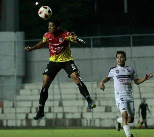 Un empate sin goles en el Arsenio Erico.
