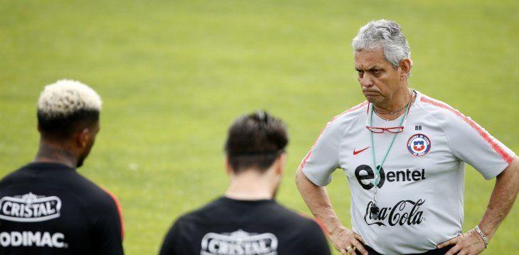 Con 28 jugadores de clubes locales Chile inicia preparación para Copa América.