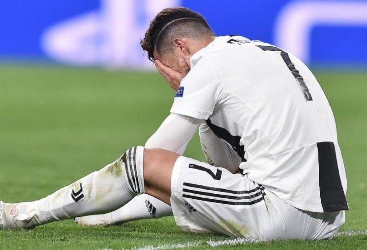 Cristiano Ronaldo reacciona tras la eliminación de la Champions League.
