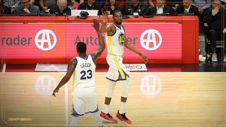 El alero estrella Kevin Durant se erigió en el líder indiscutible de los Warriors.