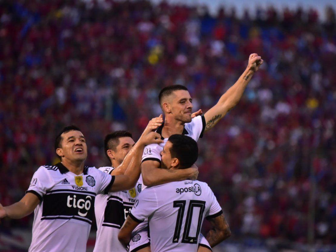 Fiesta franjeada: Olimpia castiga duro a Cerro...