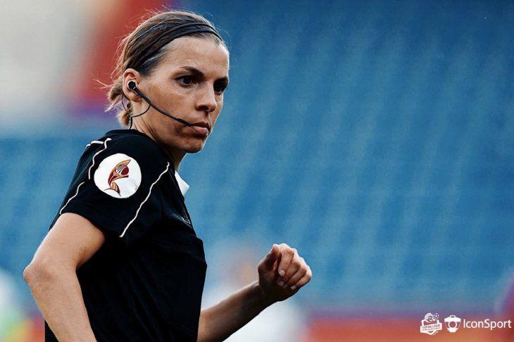Stéphanie Frappart dirigirá un partido de Primera División de Francia.
