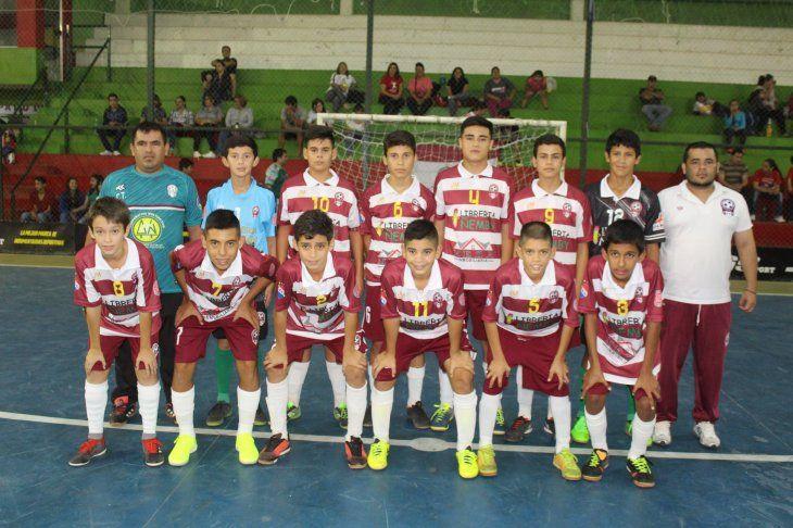 Selección Ñembyense que hoy buscará su pase a semifinales del Nacional C13.