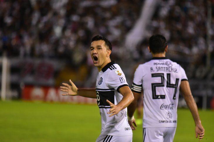 Retorna. Néstor Camacho vuelve al equipo titular del Franjeado. El delantero se reencontró con los goles.